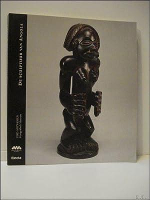 sculptuur van Angola.: Marie Louise Bastin.
