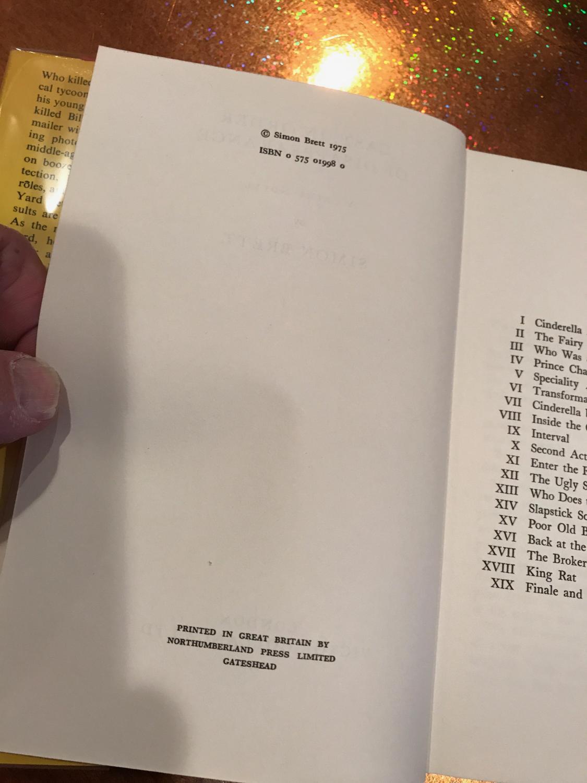 CAST, IN ORDER OF DISAPPEARANCE SIMON BRETT Very Good Hardcover