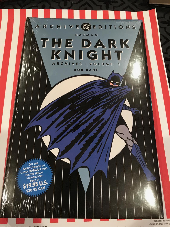 THE BATMAN:THE DARK KNIGHT Archives Vol 1 DC ARCHIVE EDITION DC comics Fine Hardcover