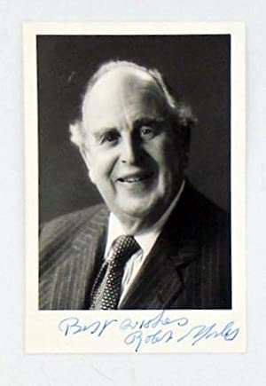 AUTOGRAPHED PHOTOGRAPH OF ROBERT MORLEY