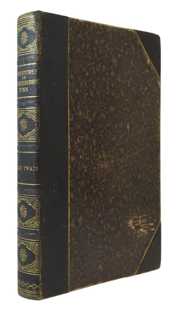 Adventures of Huckleberry Finn TWAIN, Mark Hardcover