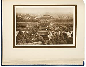 The Pageant of Peking. Comprising Sixty-six Vandyck Photogravures of Peking and Environs . With a...