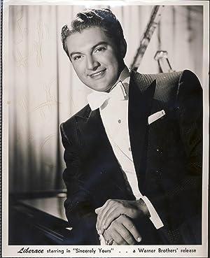 LIBERACE. Vintage Silver gelatin b/w photograph SIGNED: Wladziu Valentino Liberace.
