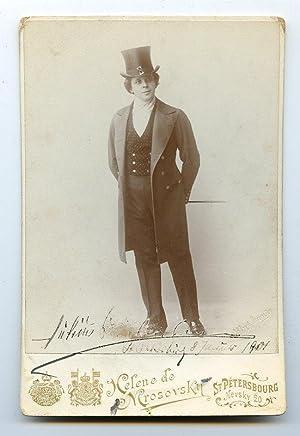 Kabinettphotographie mit eigenh. Widmung und U.: Spielmann, Julius, Sänger (1866-1920).