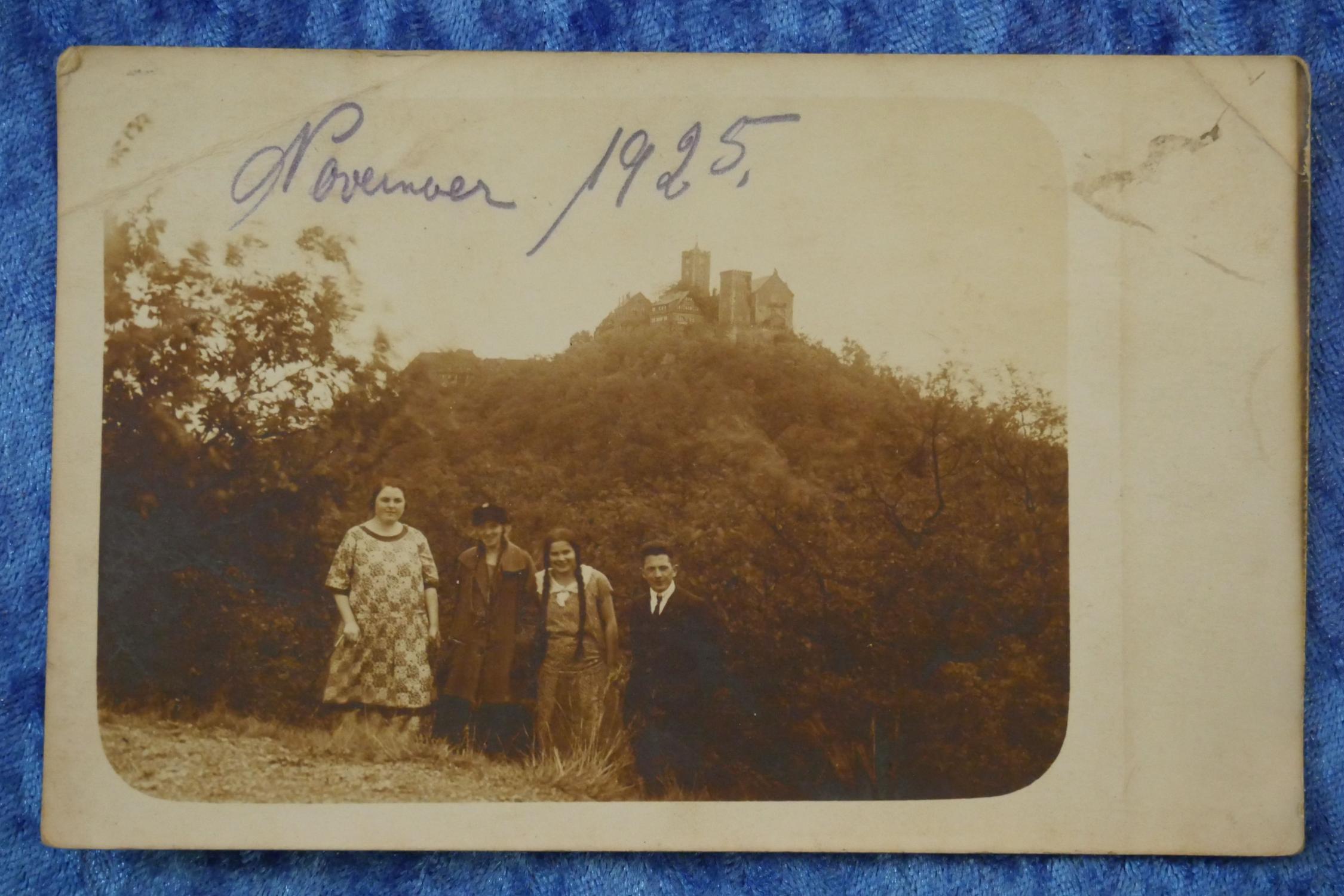 Schwarz-weiße Foto-Ansichtskarte, Wartburg, handschriftlich datiert November 1925,: Postkarte, schwarz-weiße Foto-Ansichtskarte