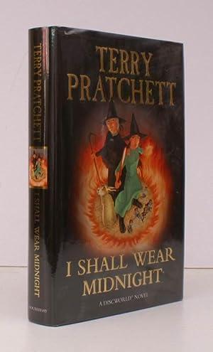 I Shall Wear Midnight. [A Discworld novel].: Terry PRATCHETT