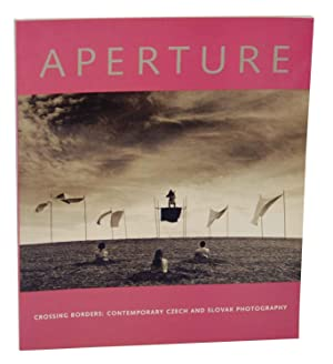 Aperture 152 - Crossing Borders: Contemporary Czech: HOFFMAN, Michael (editor)