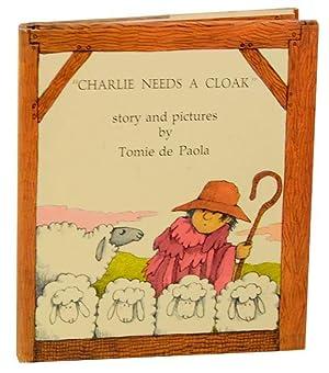 Charlie Needs A Cloak: de PAOLA, Tomie