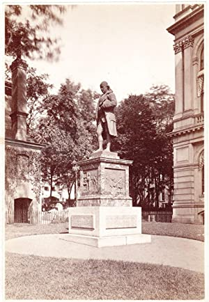 Photo of Richard Greenough's Statue of Benjamin Franklin