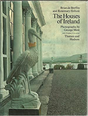 THE HOUSES OR IRELAND. DOMESTIC ARCHITECTURE FROM: BREFFNY, Brian de.
