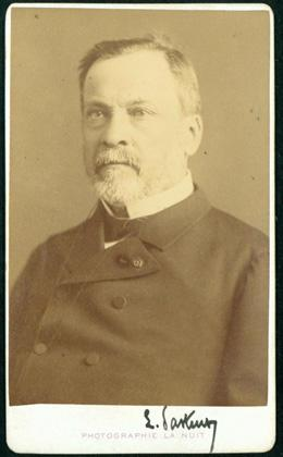 Portrait photograph signed by Pasteur: Pasteur, Louis
