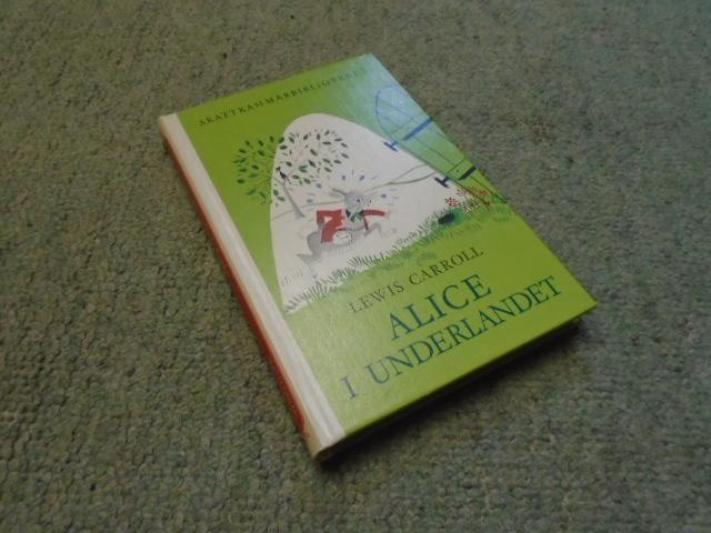 Alices aventyr i Underlandet [Alice's Adventures in: Carroll, Lewis Illustrated