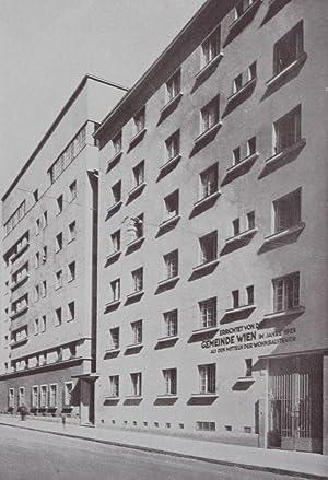 Die Wohnhausanlage der Gemeinde Wien im XV. Bezirk. Karl Marxstrasse, Löhrgasse: n/a