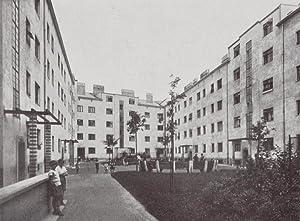 Die Wohnhausanlage der Gemeinde Wien Wiedenhoferhof im XVII. Bezirk. Kongressplatz, Pretschgoggasse...