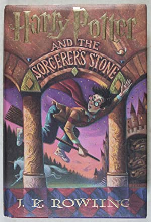 Harry Potter and the Sorcerer's Stone: Rowling, J. K. (Text by); Mary Grandpré (Illustrated by...