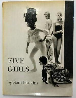 Fünf Mädchen (Five Girls). Fotografiert von Sam: Haskins, Sam: