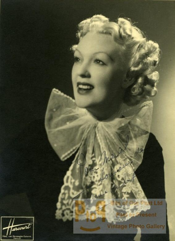 Jeanne_Aubert_Actress_Singer_Signed_Old_Harcourt_Studio_Photo_1937_HARCOURT__