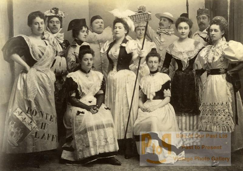 Sunday_Party_Costume_Meudon_France_old_Photo_1892_DELAPORTE_FILS__
