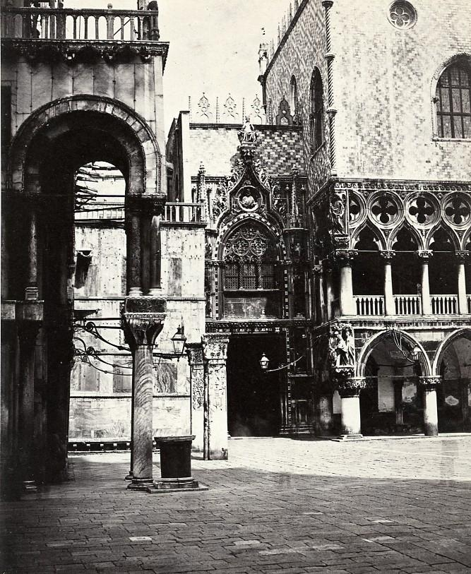 Italy_Venice_Ducal_Palace_Door_della_Carta_Old_Photo_Bisson_1858_Frères_BISSON__