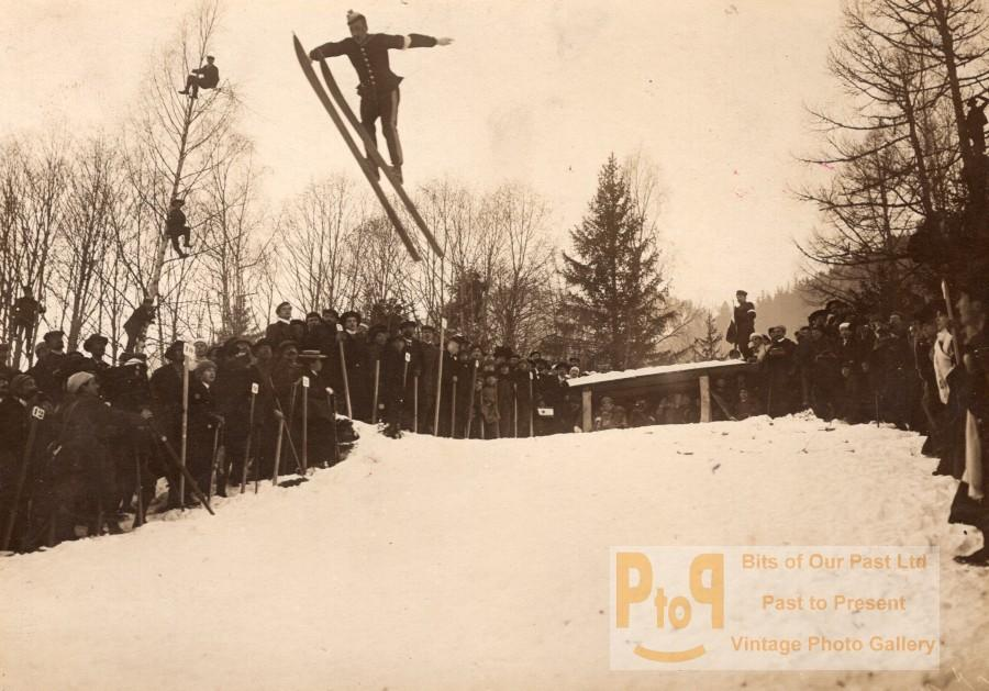 France_Chamonix_Competition_Ski_Jumping_Winter_Crowd_old_Photo_1907___[_]