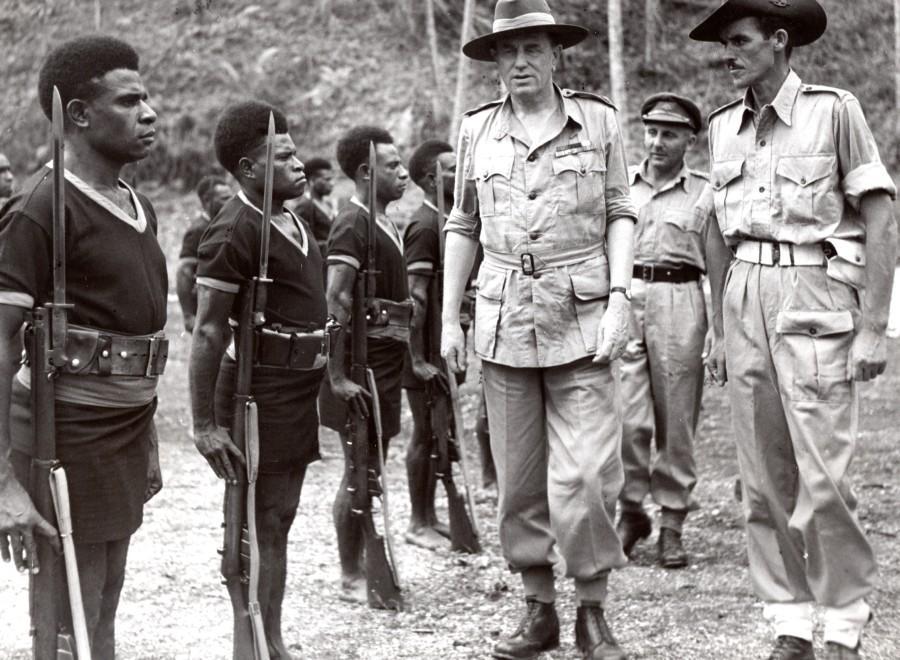 Aitape_Lord_Wakehurst_Royal_Papua_New_Guinea_Constabulary_old_Press_Photo_1945_NEWS_SERVICE_Misc__