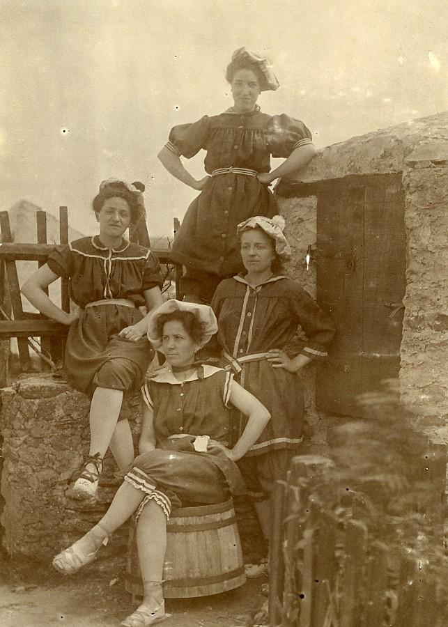 France_around_Audresselles_Woman_in_Bathing_Costumes_Fashion_Old_Photo_1899_ANONYMOUS__