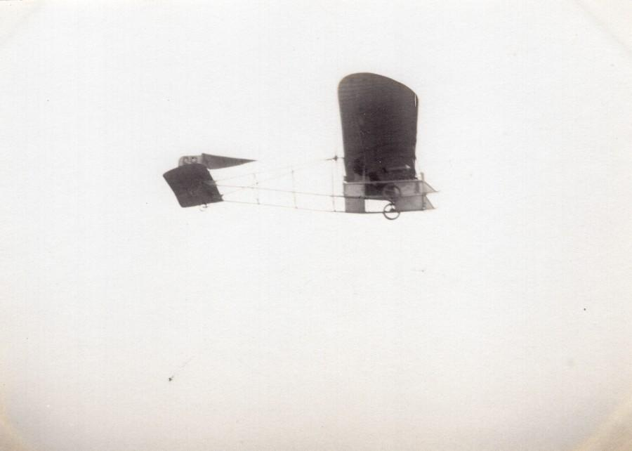 France_Aviation_High_Wing_Monoplane_in_Flight_old_Photo_circa_1910_ANONYMOUS__