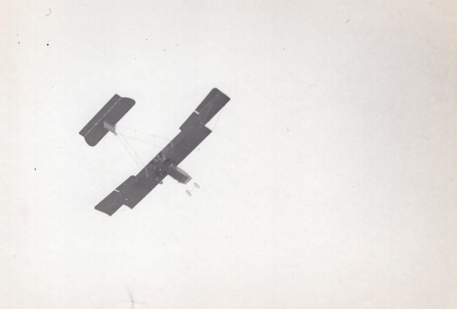 France_IssylesMoulineaux_Aviation_Sanchez_Besa_Biplane_Flying_old_Photo_1912_ANONYMOUS__