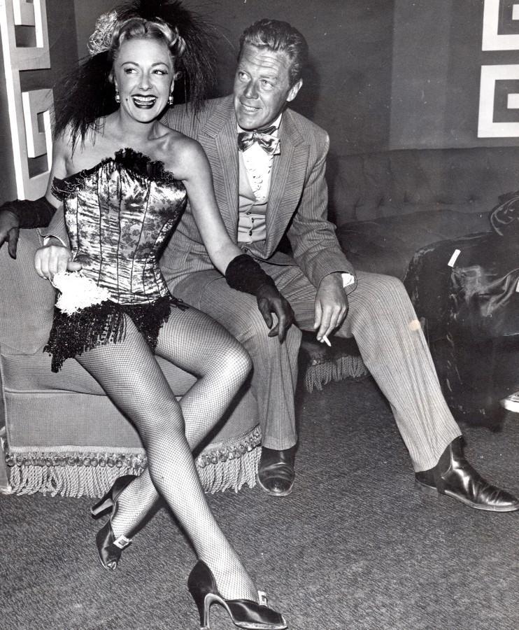 Actress_Virginia_Field_&_Husband_Actor_Willard_Parker_old_Photo_circa_1950_NEWS_SERVICE_Misc__