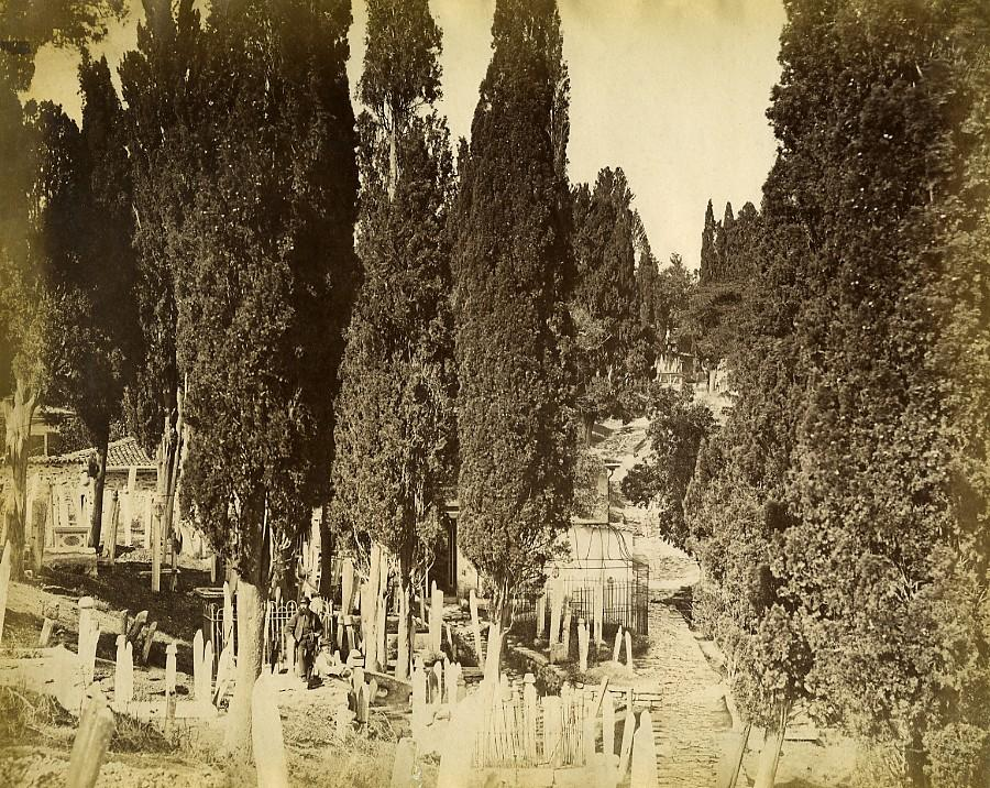 Turkey_Constantinople_?_Europeans_in_a_Turkish_Cemetery_Old_Photo_1870_ANONYMOUS_[_]