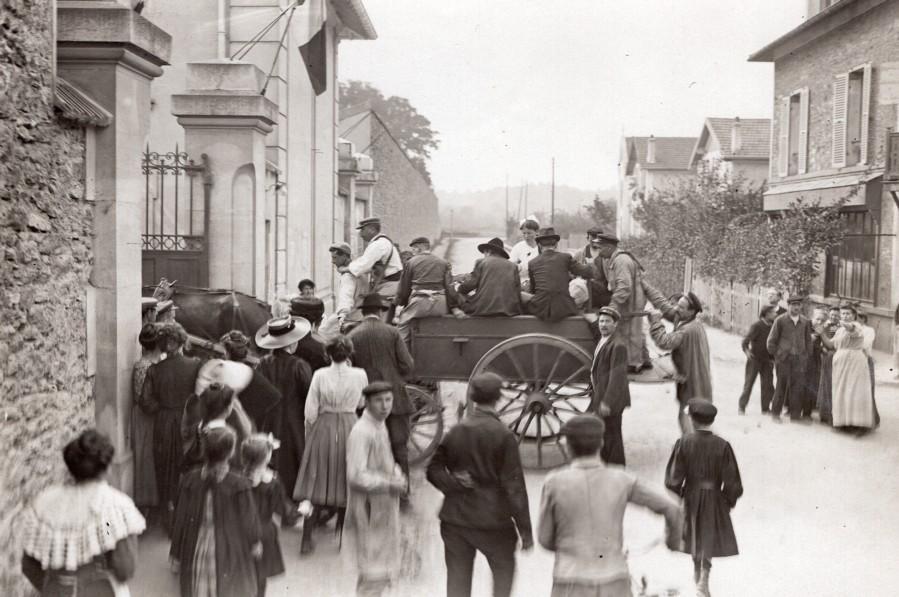 France_Brevannes_Hospital_Morane_Brothers_Crash_Aviation_old_Branger_Photo_1910_M_BRANGER__