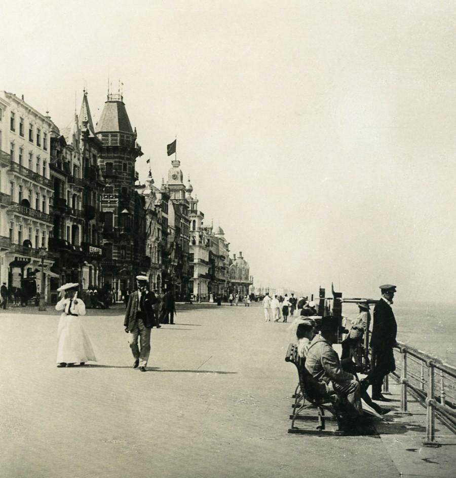 Belgium_Ostend_Oostende_the_Dike_Old_NPG_Stereoview_Photo_1900s_NPG_Neue_Photographische_gesellschaft__
