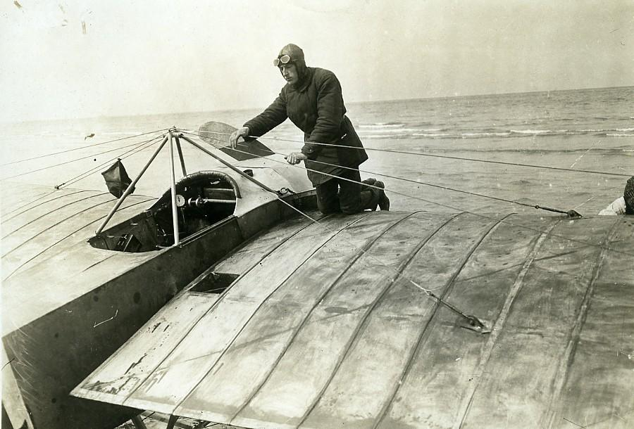 France_Deauville_Aviation_Georges_Chemet_Borel_Seaplane_Old_Photo_1913_ANONYMOUS_[_]