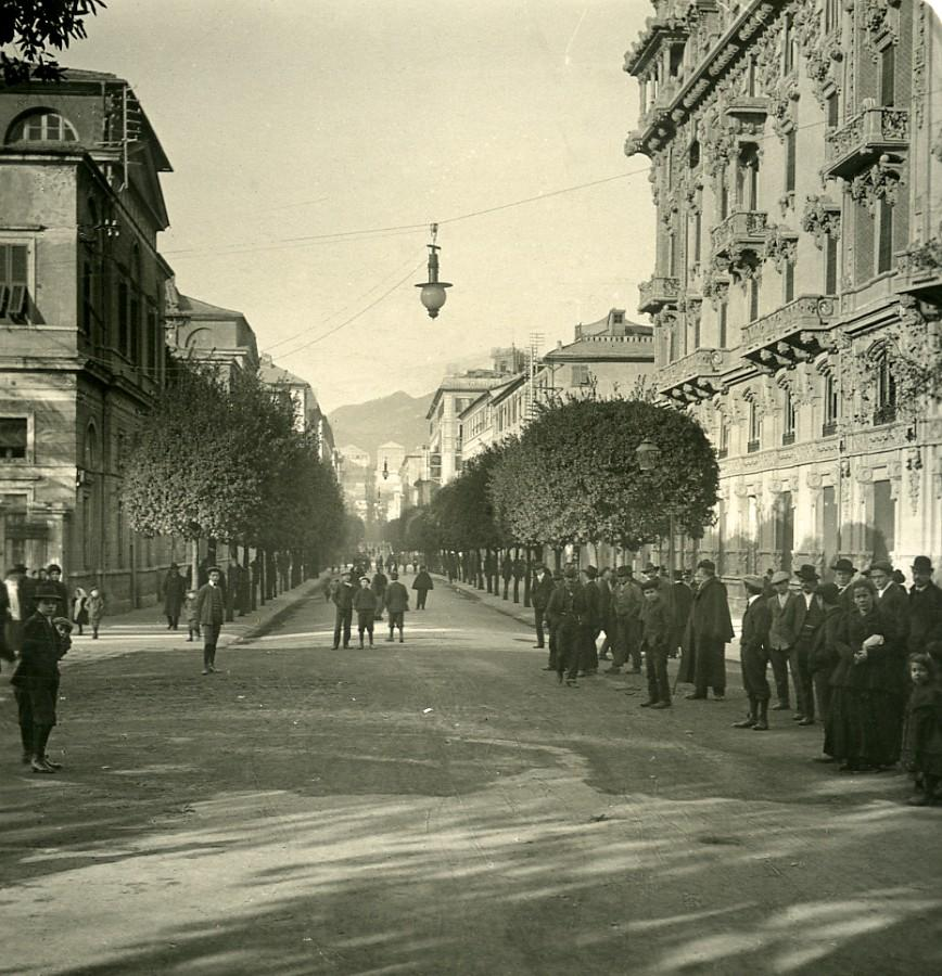 Italy_Savona_Corso_Principe_Amedeo_Old_Stereoview_photo_NPG_1900_NPG_Neue_Photographische_gesellschaft__