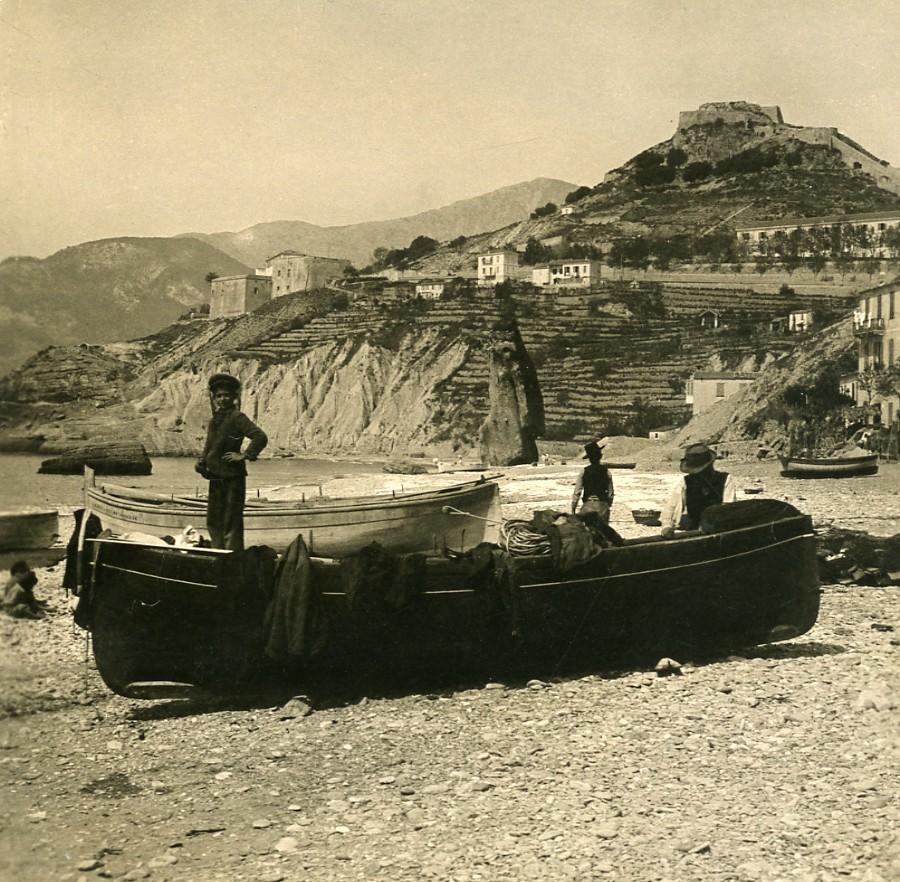 Italy_Ventimiglia_Vintimille_Beach_&_Harbor_Old_Stereoview_photo_NPG_1900_NPG_Neue_Photographische_gesellschaft__