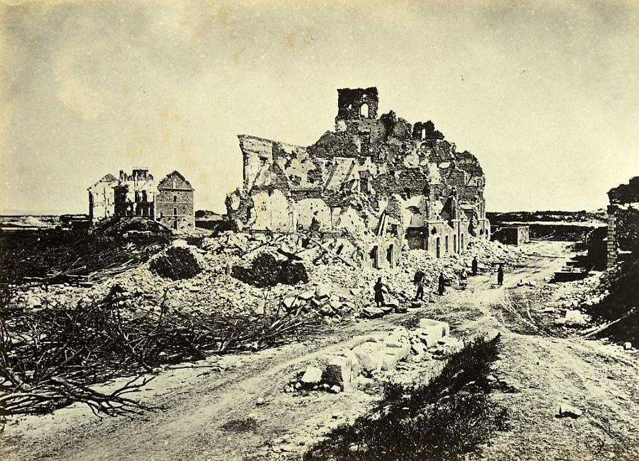 Siege_of_Paris_Commune_Ruins_Fort_d_Issy_Barracks_Old_Liebert_Photo_1870_G_LIEBERT__
