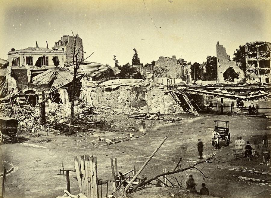 Siege_of_Paris_Commune_Ruins_Auteuil_general_view_Old_Liebert_Photo_1871_G_LIEBERT__