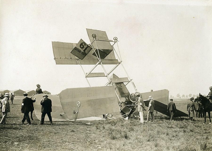 France_Betheny_Aviation_Louis_Breguet_Accident_Old_Branger_Photo_August_1909_M_BRANGER__