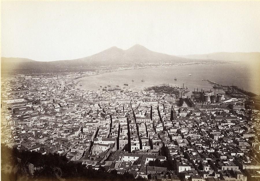 Italy_Naples_Napoli_Panorama_old_Photo_Giorgio_Sommer_1870_Giorgio_Sommer__