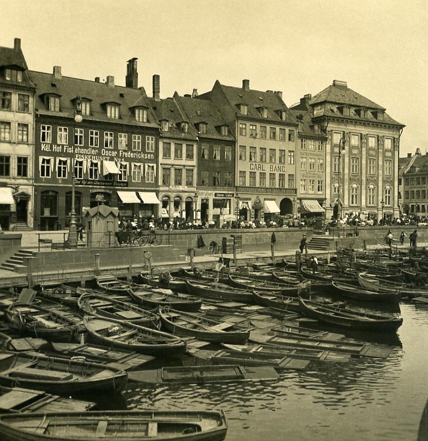 Denmark_Copenhagen_Gammel_Strand_Canal_Boats_Old_NPG_Stereo_Photo_1900_NPG_Neue_Photographische_gesellschaft__