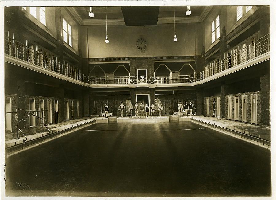 Germany_Sports_Berlin_Friedrichsfelde_new_Swimming_pool_Old_Photo_1930_NEWS_SERVICE_Misc__