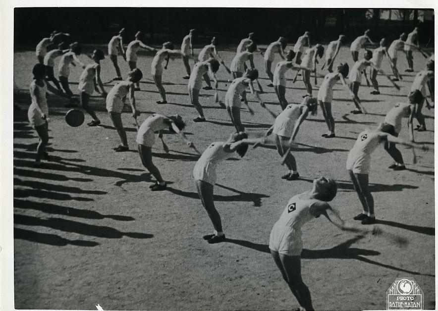 Germany_Sports_Women_Rhythmic_Gymnastics_Old_Photo_1930_NEWS_SERVICE_Misc__