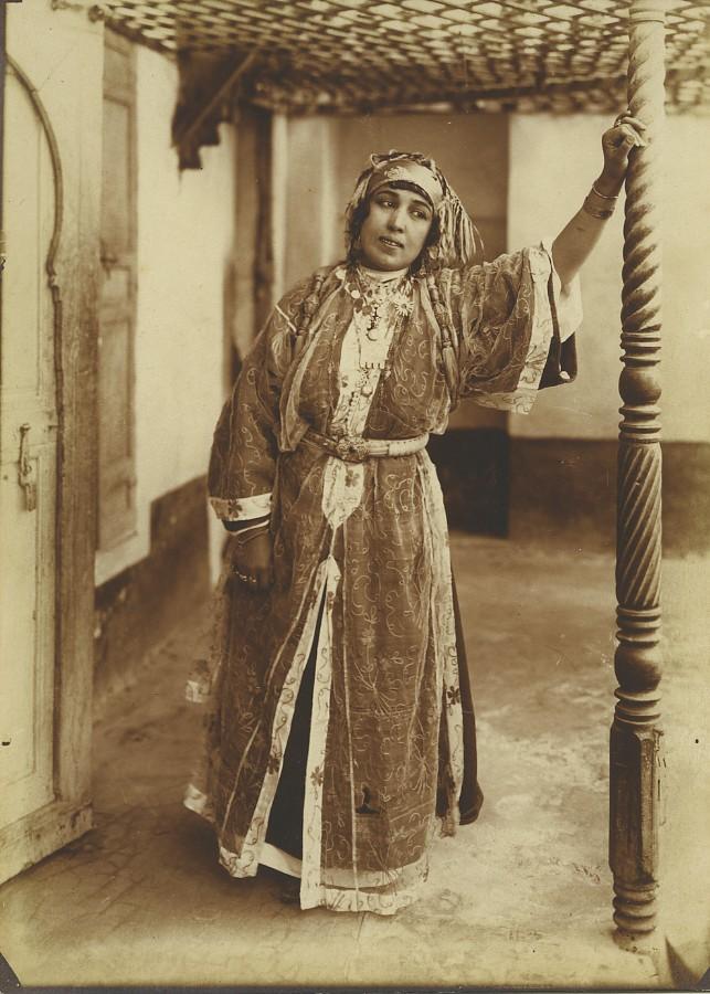 Morocco_Marrakech_Woman_Traditional_Costume_Old_Photo_Felix_1915_FELIX__