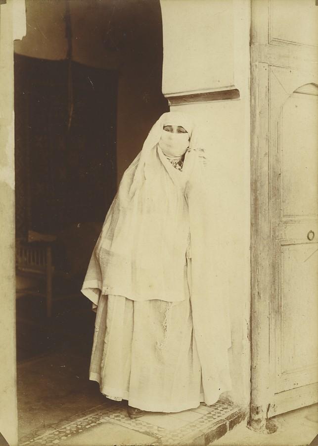 Morocco_Marrakech_Veiled_Woman_Old_Photo_Felix_1915_FELIX__