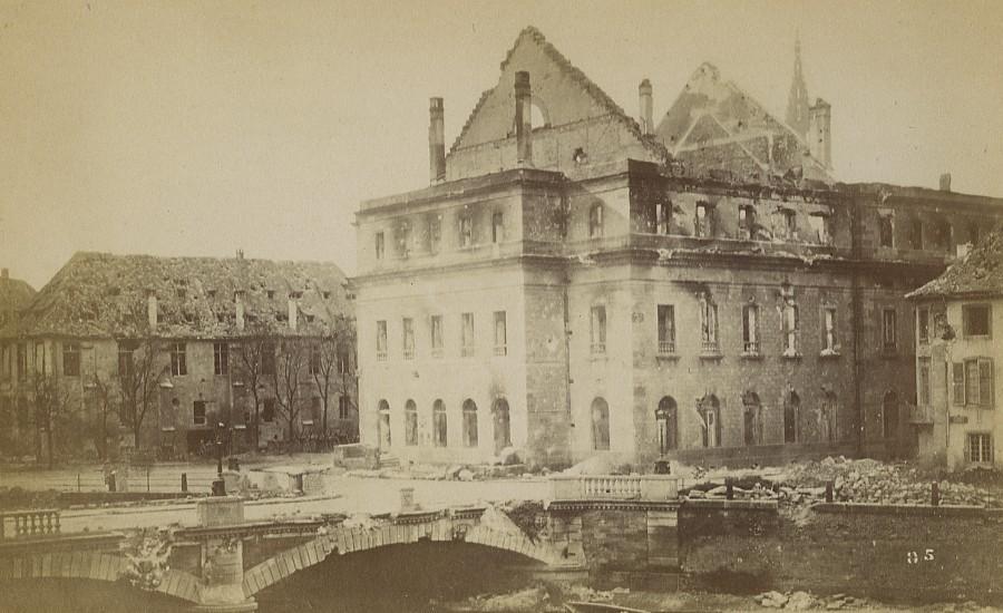 Strasbourg_Ruins_Wartime_Theater_Destruction_Old_Cabinet_Photo_Richard_1870_Richard__