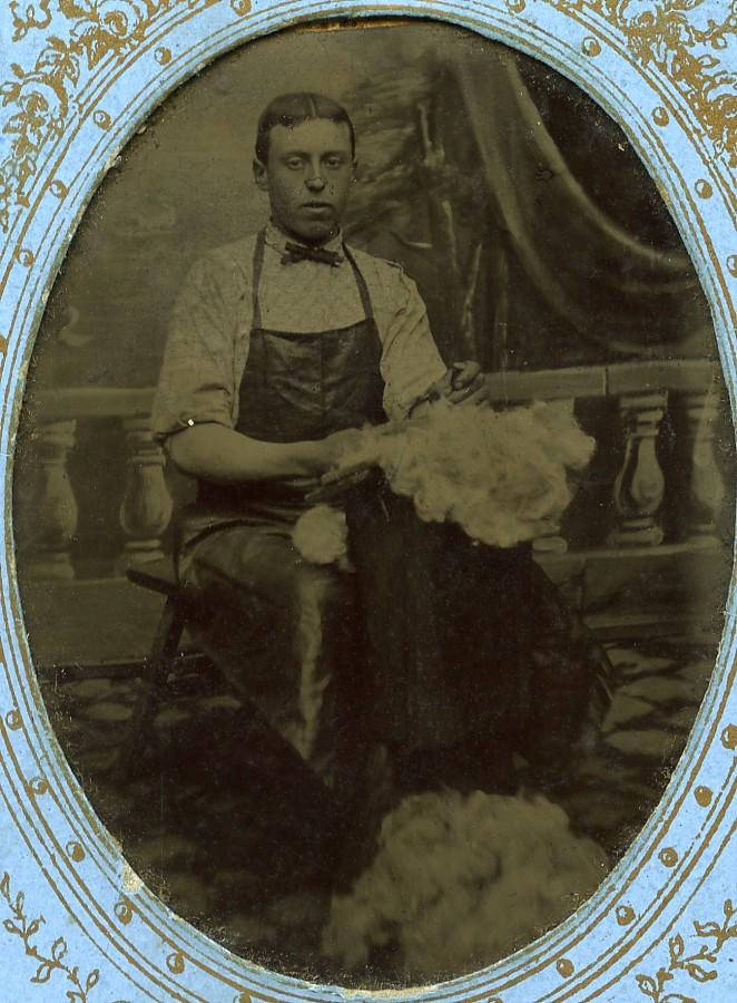 Quesnoy_sur_Deule_mattress_maker_Leclercq_Tintype_Ferrotype_Old_Photo_1890_ANONYMOUS__