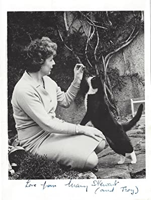 AUTOGRAPH NOTE RE: HER CAT w/ Inscribed Photo: Stewart, Mary