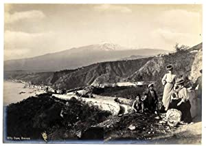 Photograph Very nice Taormina Grand Tour Women and children Silver print 1900c W. Dose L175