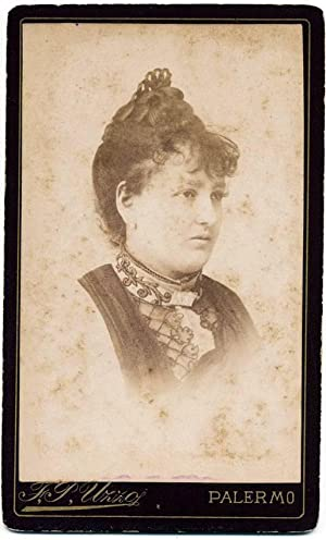 Carte de visite Theater actress or Opera singer not identified 1890c F. P. Uzzo Palermo S233