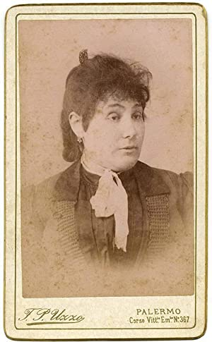 Carte de visite Theater Actress or Opera singer not identified 1890c F. P. Uzzo Palermo S238